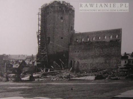 Rekonstrukcja baszty w latach 1954-58